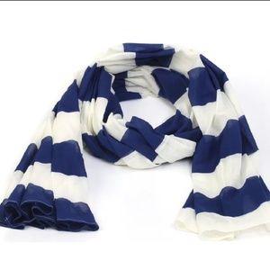 Pretty blue & white striped scarf